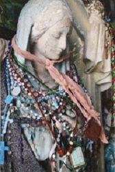 church bead statue